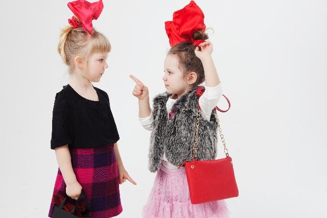 友達を批判する子ども